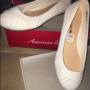 CHEAP New American Eagle Flats!
